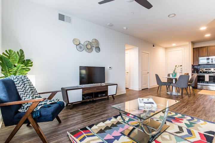 StayOvr|Trinity Groves|Corporate|2Bed|City View