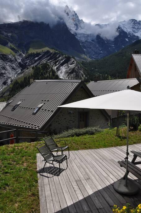 Terrasse, solarium, vue à 360° sur les glaciers