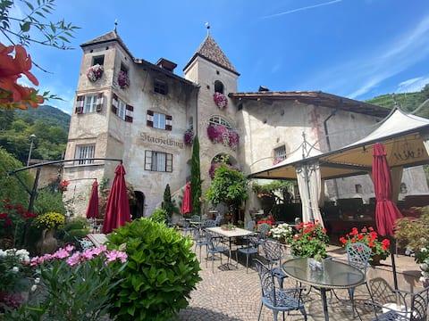 Κάστρο Stachelburg - ιστορικό κατάλυμα