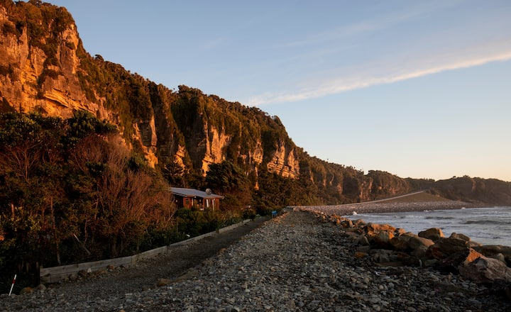 Punakaiki - Absolute Beachfront Home