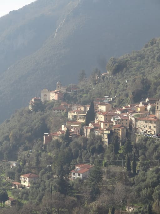 La Fontana at the bottom of the picture - and Casoli