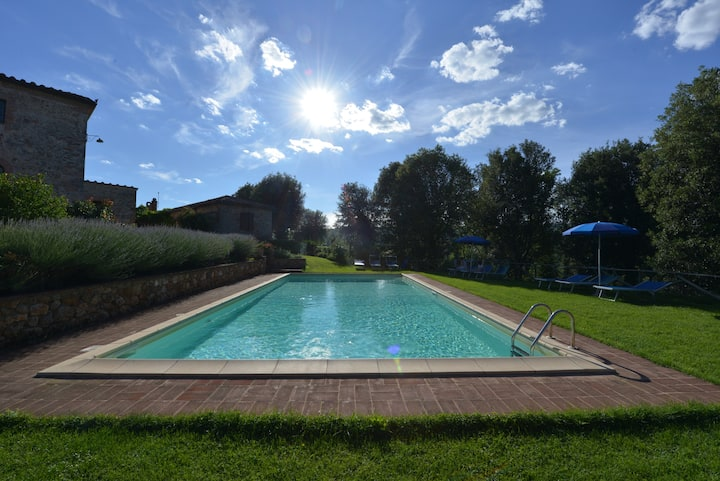 "Apartment ""Inverno"" - Siena 7km pool, WiFi, garden"