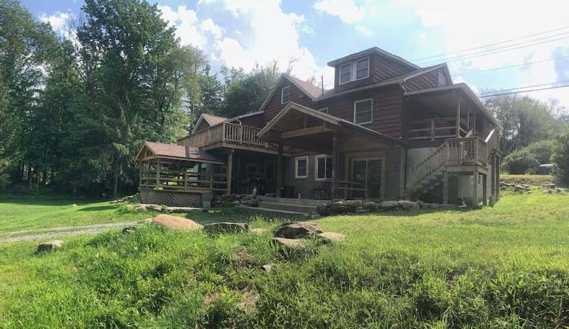 Mid Century Rustic, Lake House on 31 Acres