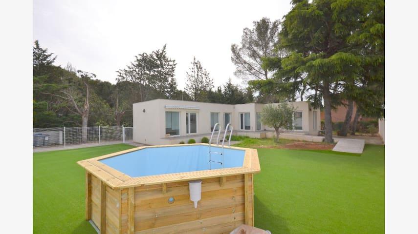 Jolie maison à villetelle - Villetelle - Casa