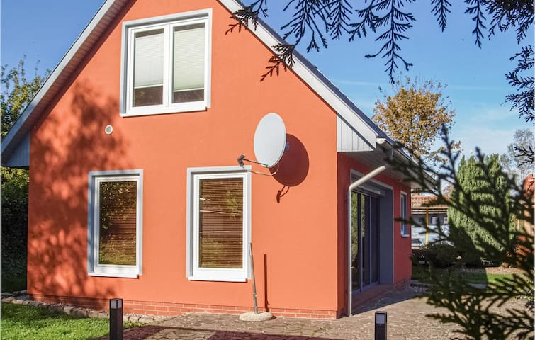 Holiday cottage with 2 bedrooms on 72m² in Woldegk