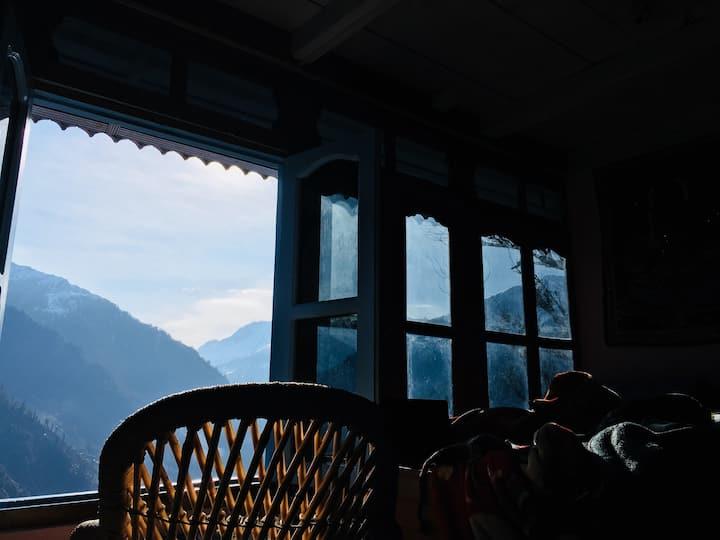 Sun View Mountain Cabin in Gargi village