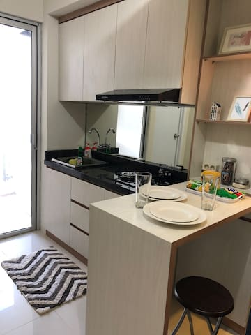 Nice Kitchen Space with complimentary snacks, cereal, coffee and tea