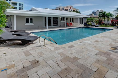 Modern Beach Home - Pool - on the water with dock - 迪尔菲尔德海滩(Deerfield Beach) - 独立屋