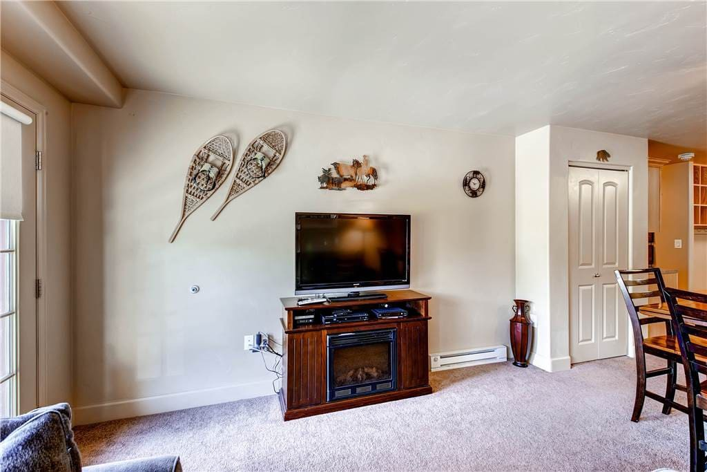 Bench,Entertainment Center,Fireplace,Hearth,Indoors