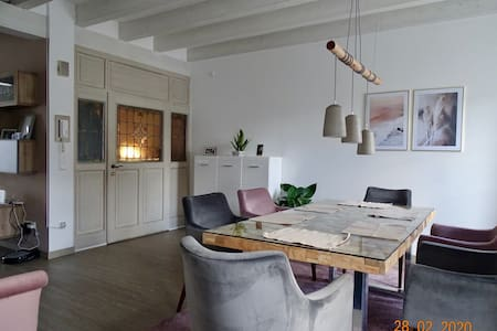 Moderne Maisonette-Wohnung in zentraler Lage