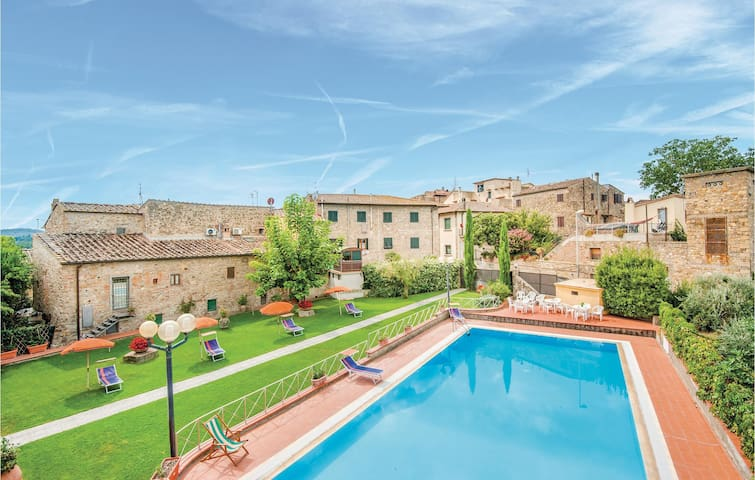Holiday apartment with 2 bedrooms on 54m² in San Donato in P. FI