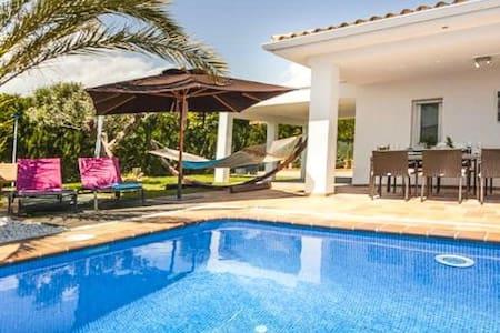 Villa Rufina en La Nucia para 8 p - Casa de camp