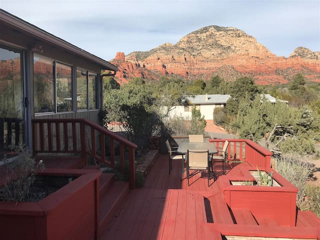 Just Listed!! Cute & Cozy Home With Great Views! Rainbow - S087