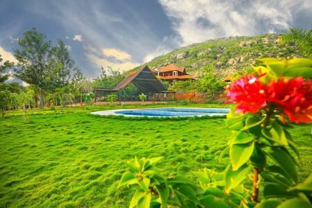 Aura foothills-Nandi Hills-Luxurious Villa-Pool