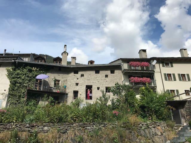 Poschiavo: Grosses historisches Haus - Casa Zurcà