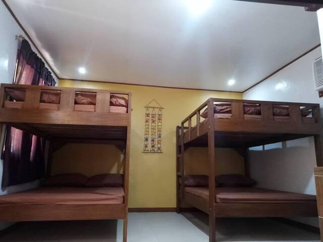 Beach Family Room for 12 pax -Calatagan, Batangas