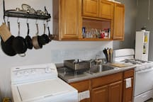 Super Clean Kitchen.  Complete with all appliances needed including Washing Machine, Blender, Microwave and Toaster Oven.