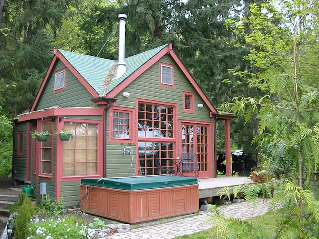 The Last Resort Guest House - Vashon - Srub