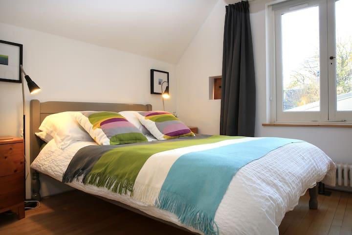 Bedroom, south facing window