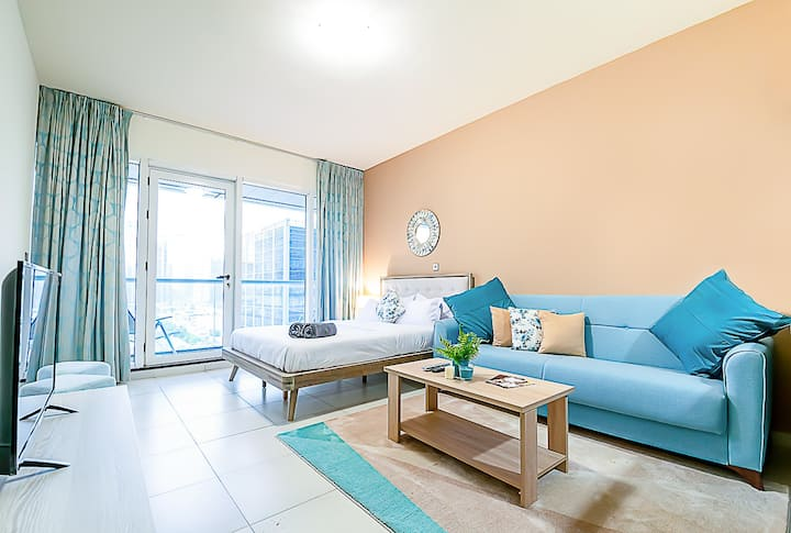 Stylish Studio | Heart of JLT W/Parking, Pool, Gym
