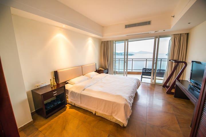 三亚180度无敌海景酒店式公寓大床近大东海 - Sanya