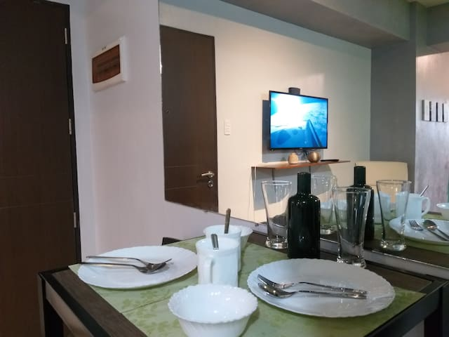 Lovi's Nest at Manhattan Parkview - Cubao
