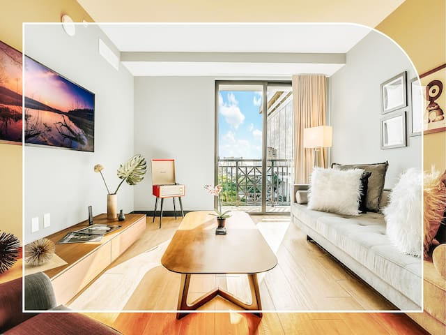 NUOVO | Mid Century Modern 1 Bedroom |Coral Gables