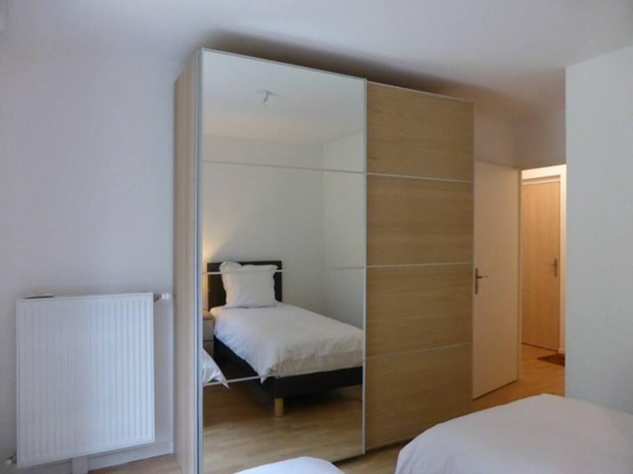Chambre, armoire