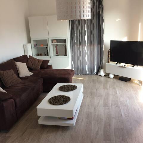 Appartement neuf et très calme. Famille-Amis