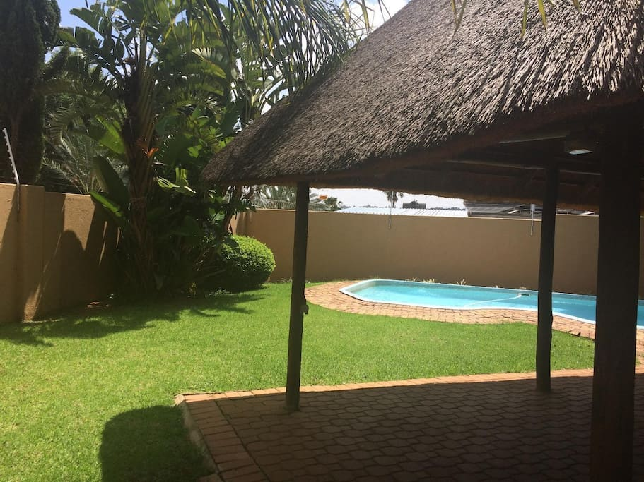 Complex pool and lapa