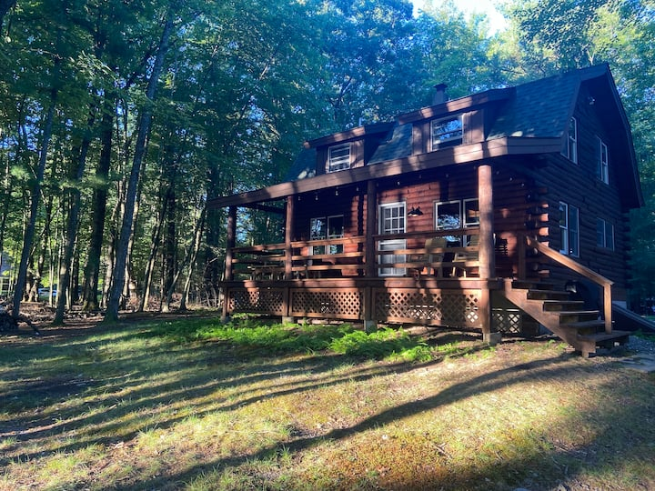 Authentic Lakefront Log Cabin