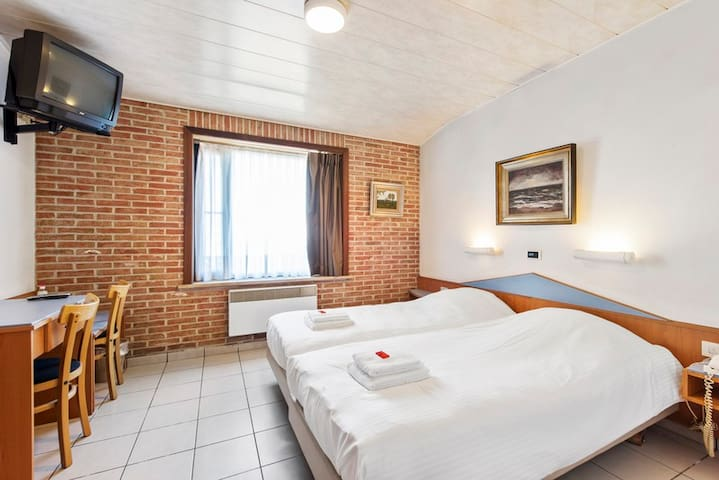 Charming Guest Suite near Bruges & Roeselare