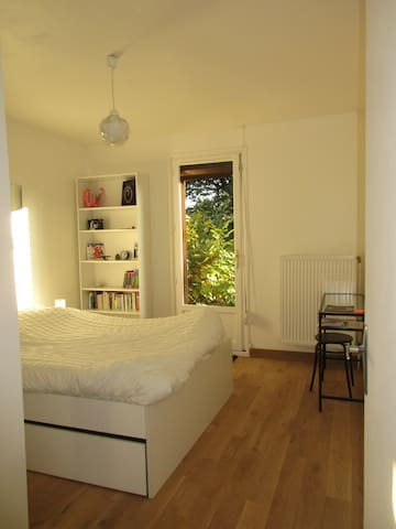 nice room close to Univ Lille 1 w/breakfast - Villeneuve-d'Ascq - Casa
