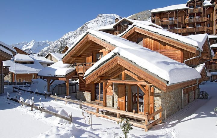 Cosy Traditional Chalet in Les Deux Alpes