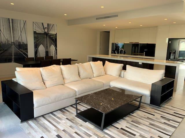 Luxury Living At Lake Macquarie (T6)