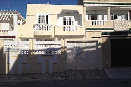 Maison Charmante et très ensoleillé - Tunis