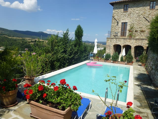 Inside a Town With Views and Pool! - Piegaro - Pis
