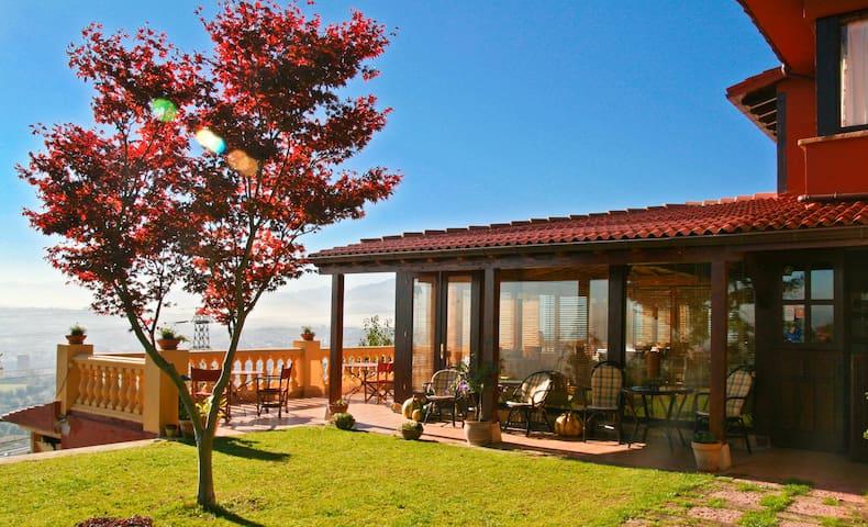 Estancia perfecta para 12 en Oviedo - Asturias - House