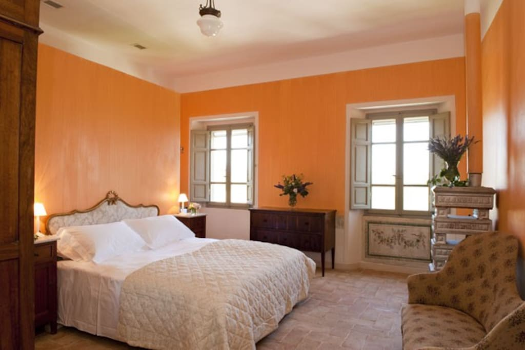 Agata Orange Bed room
