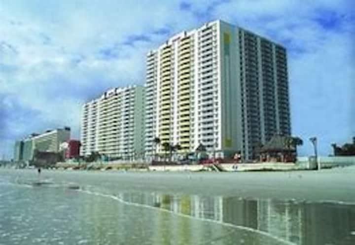 Daytona - Beachfront Luxury Resort -BIKE WEEK 2021