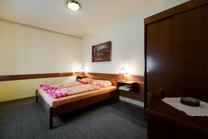 Nice and cosy family owned hotel - Krapina - Гестхаус