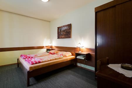 Nice and cosy family owned hotel - Krapina - Bed & Breakfast