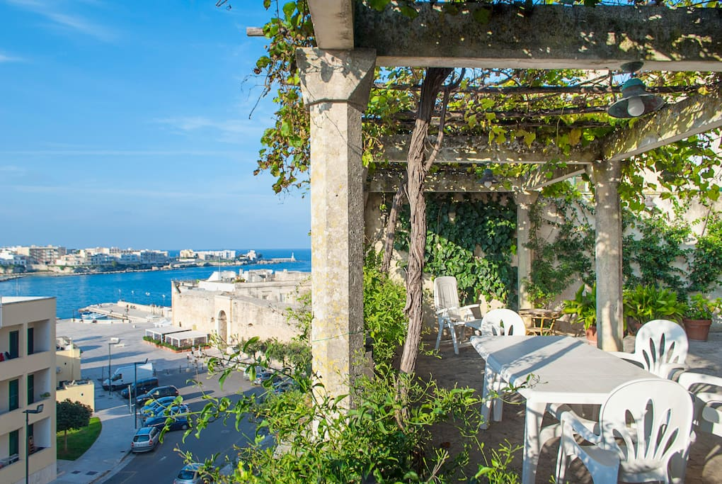 Terrazzo con vista panoramica sulla baia di Otranto - Terrace with panoramic view of the Otranto bay