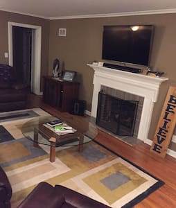Your Home Away From Home!!! - Prairie Village