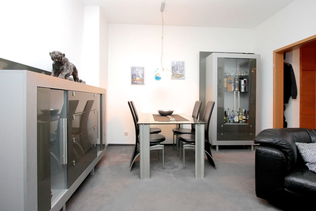 2 zimmer apartment in hannover apartments for rent in hanover lower saxony germany. Black Bedroom Furniture Sets. Home Design Ideas