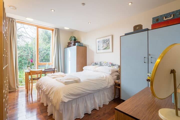 Double room in Modern Eco House - Cambridge - Haus