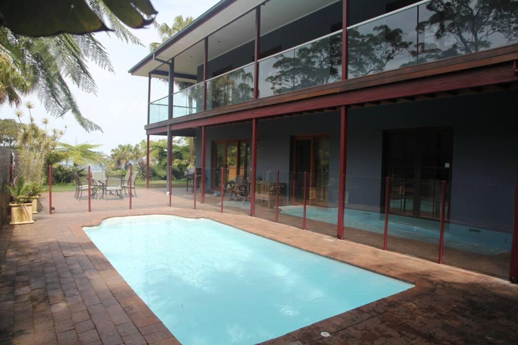 Pool & outside entertaining area