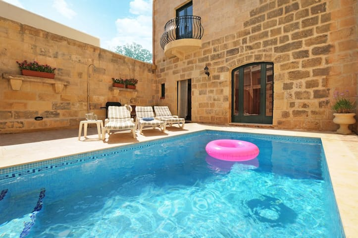 House with Pool in Gozo... come! - Għajnsielem - 別荘
