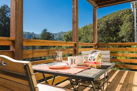 Sunny Private Apt in Mill Valley w/ views!