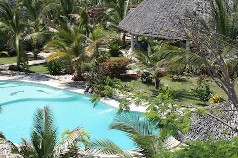 VILLA DELUXE WITH PERSONAL SERVICE ..